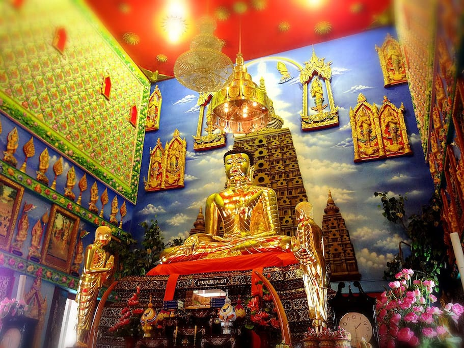 Day trip to Wat Bua Kwan - Grand Temple (Free ride)