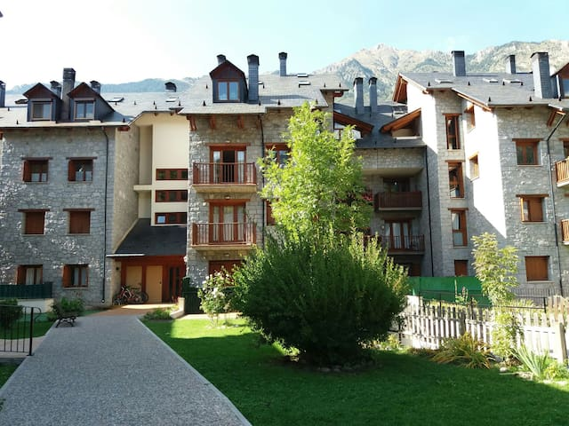 Benasque - Pitched roof apartment with terrace