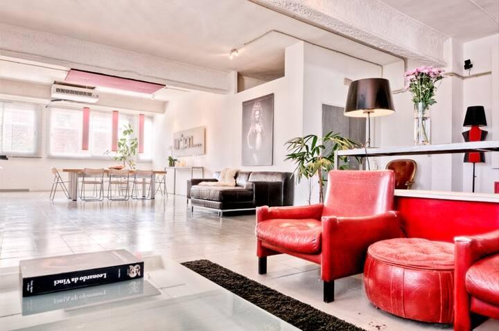 Barcelona-Spacious Room 300qm-Loft