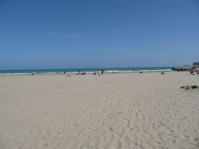 Faro Beach, maritime port Vilanova - Vilanova i la Geltrú - 公寓