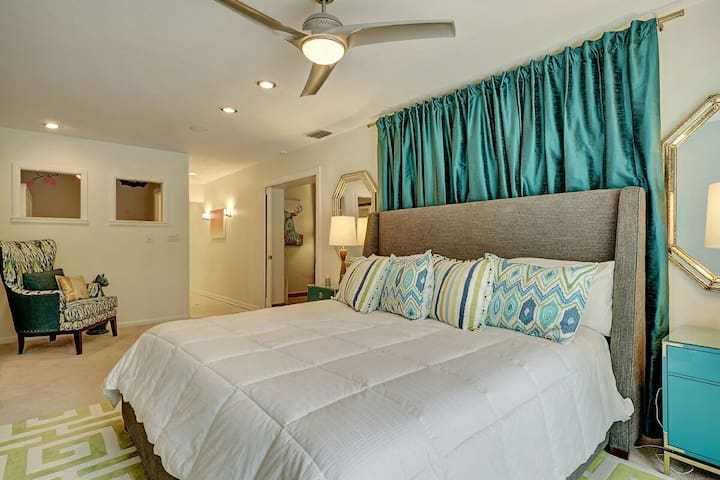 Professional Interior Design throughout makes you feel pampered and relaxed