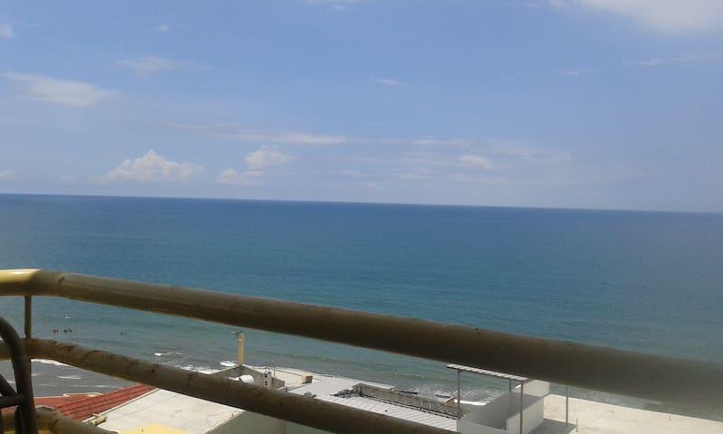 Dpto. Frente al mar, cómodo, seguro, bien ubicado. - Manta - Apartmen