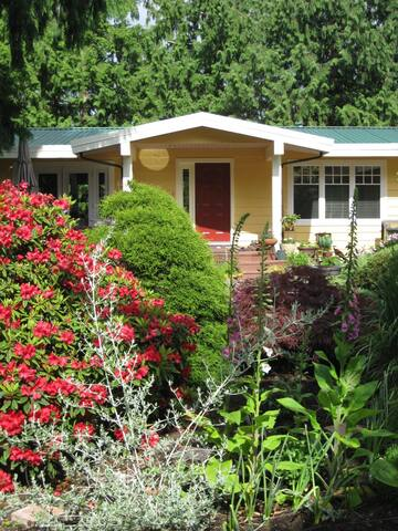 Comfortable Home and gardens