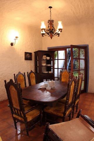 Casa colonial, comoda y segura
