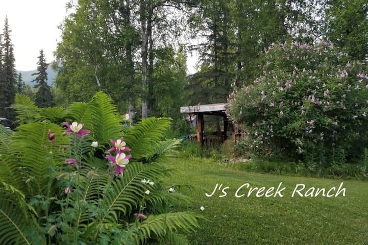 J's Creek Ranch in Hatcher Pass