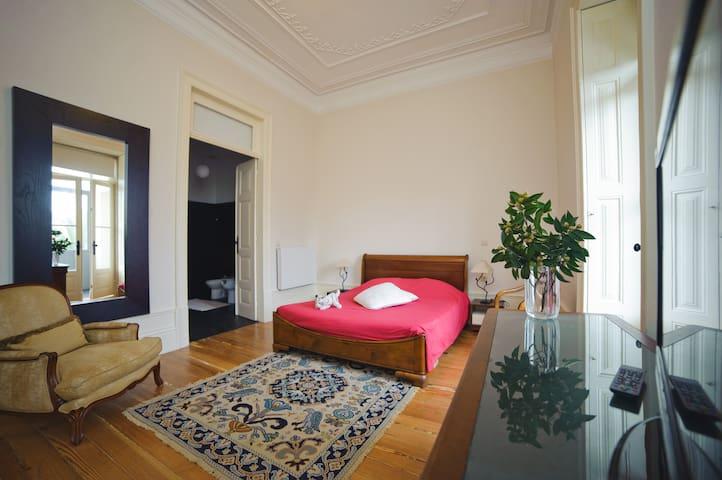 Oporto Luxury Suite