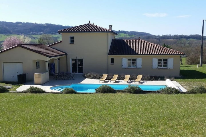 Holiday Home in Saint-Michel-de-Bannières with Pool