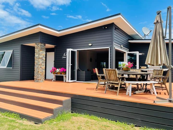 Modern Beach Home,Waverley Beach,South Taranaki