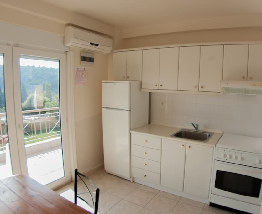 An example of our full size kitchen in a 2 bedroom apartment.