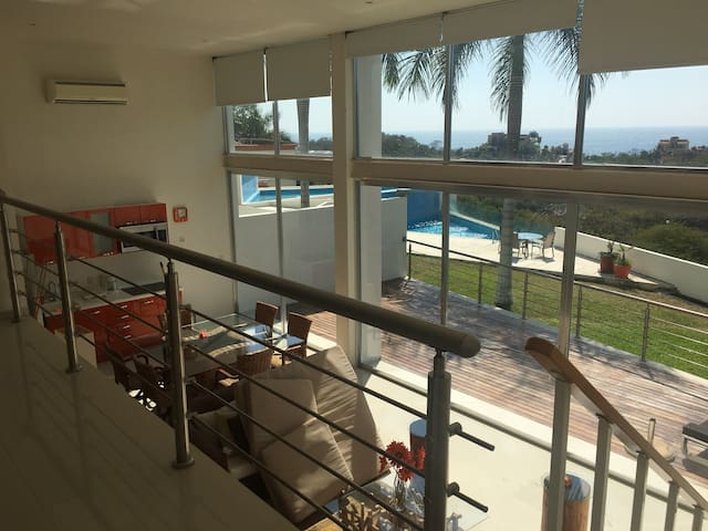 Familiar Loft con vista la al mar y linda terraza