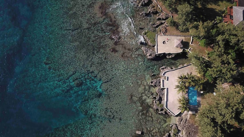 SUNSET HIDEAWAY-PRIVATE PROPERTY 2 BUNGALOWS