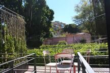 Terraza con vista al tradicional Jardín de las Embajadoras
