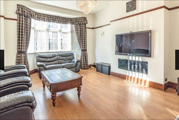 Entire 6 Bed House in Jesmond - Newcastle upon Tyne - Dom