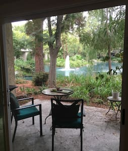 1 BR condo in the heart of orange - Orange - Flat
