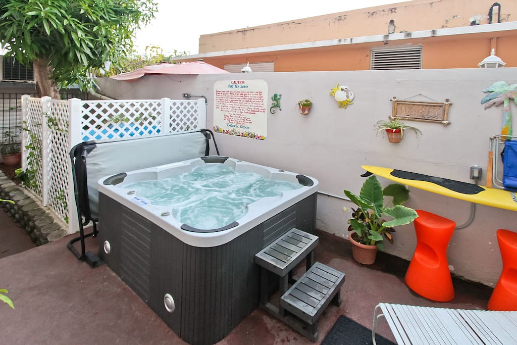 A great way to meet other guests is in our jacuzzi.