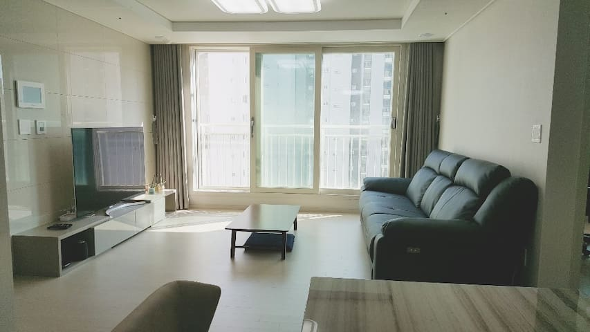 New apartment in New town in Korea. / 시흥 배곧신도시