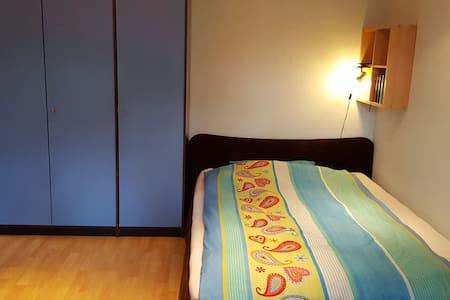 Spacious room near Verden/Bremen w/ priv. bathroom