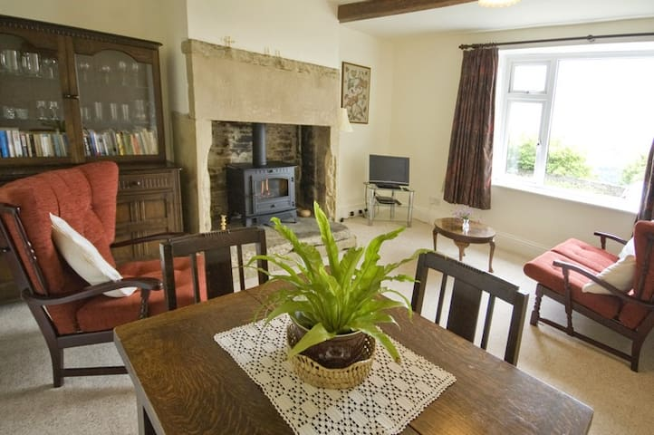 Cherry Tree Cottage ( 4 stars)  near Ripponden. - Barkisland
