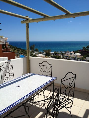 Beautiful penthouse, Playa Calabajio.WIFI - Almuñécar - Apartment