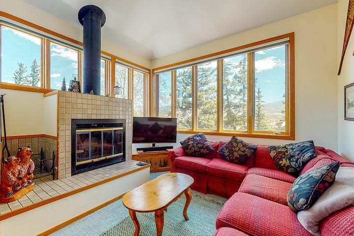 New listing! Bright, family-friendly home w/ fireplace & perfect location!