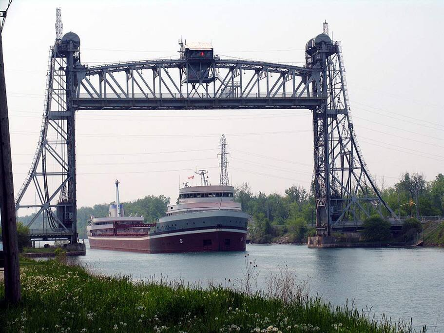 Five minute walk to the famous  Welland canal and biking trails.