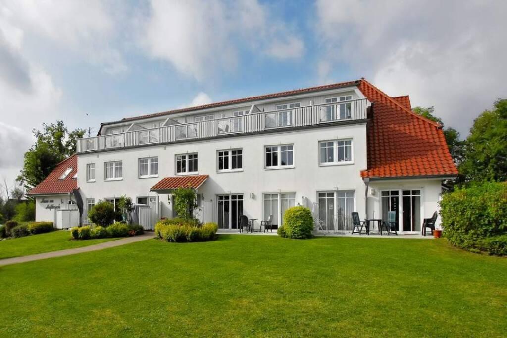 Ihre Ferienanlage: Die Wohung befindet sich im 1. und 2. Stock und hat zwei Terrassen.