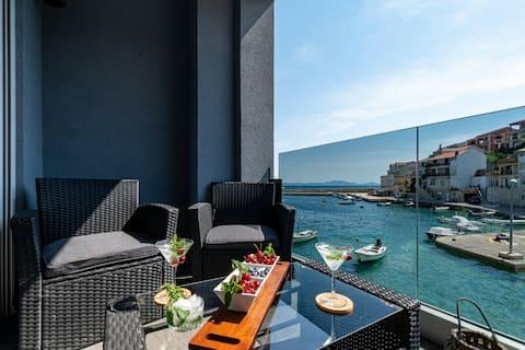 Luxury apartment Lucija