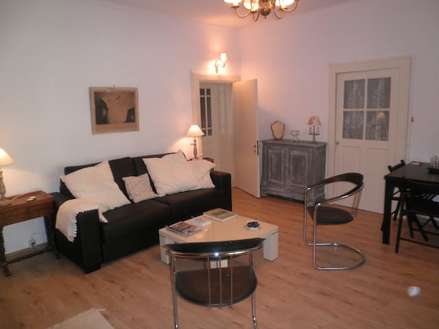 STUDIO dans maison de village - Fons - Appartement