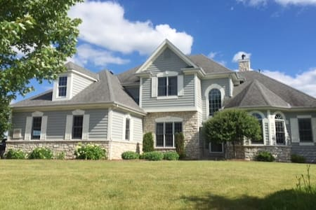 2017 US OPEN-Home Rental (pool + 10 guests) - Nashotah - Hus