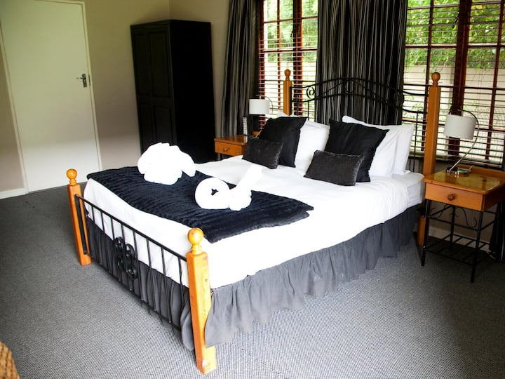 The Gables Guest House - Self-Catering Family