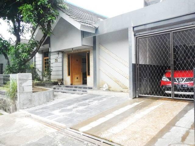 Ananta B&B, Junior Room - Ujung Berung - Apartemen