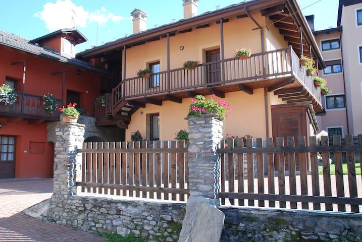 Maison Resselin Genziana - Gressan - Appartement