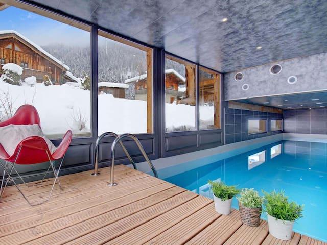 Mc34 chalet de prestige avec piscine int rieure chauff e for Piscine morzine