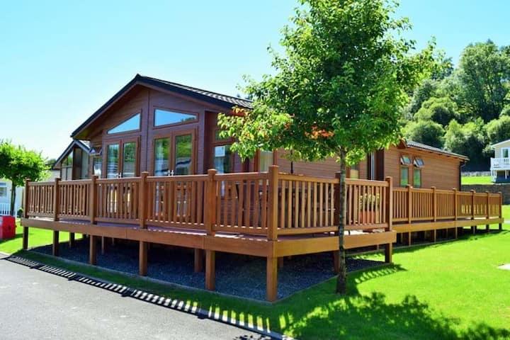 Serendipity - New Luxury Lodge - Heritage Park