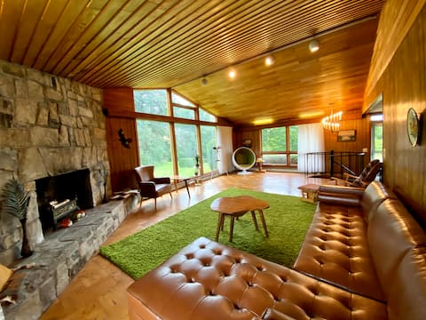 The Groovy Lake House