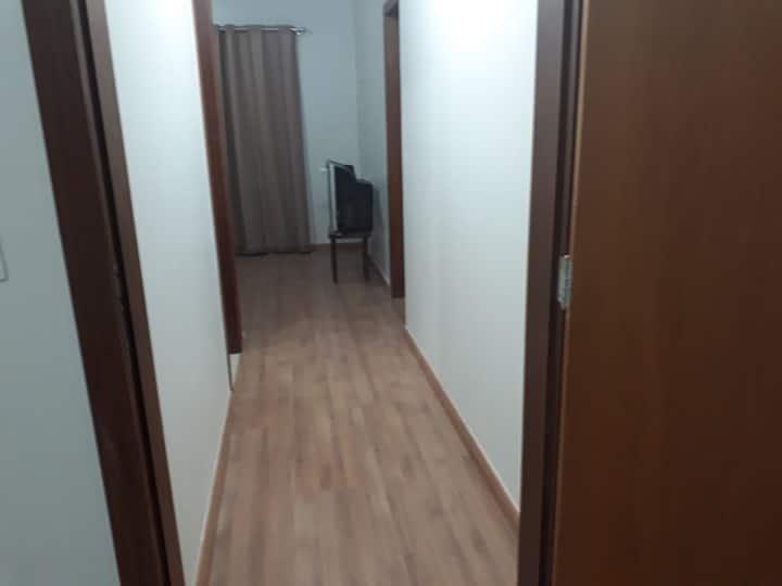 Llindo apartamento em casa de condomínio fechado