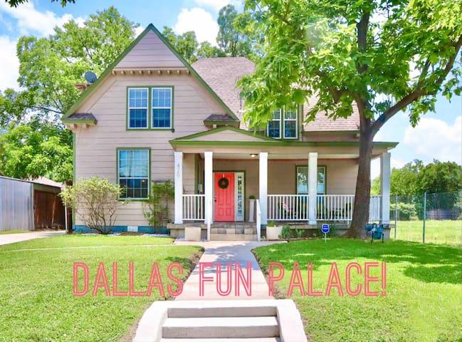 Dallas Fun Palace! Sleep16+, pool table, walkable!