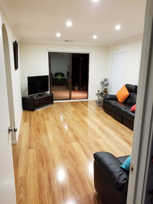 Bed House To Rent Kings Langley