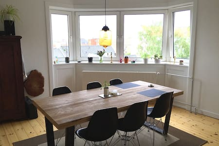 Bright 3-room apartment close to the beach - Kopenhagen