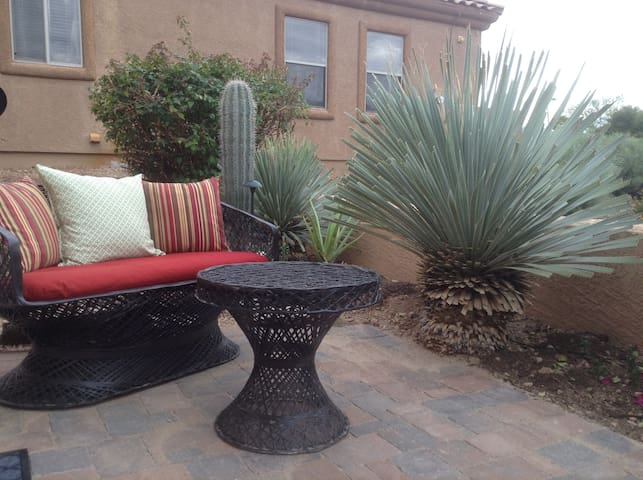 Upscale, private, courtyard - Fountain Hills