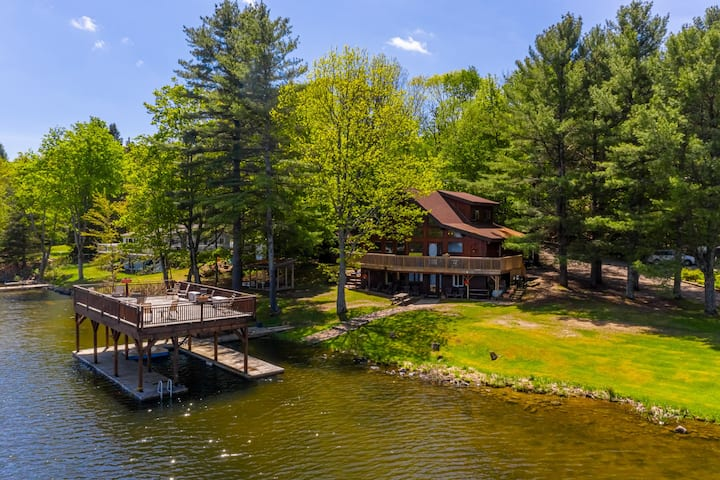 Lakefront Cottage in Port Carling with Great Views