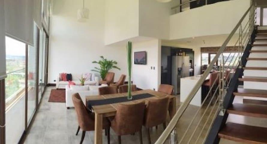 Confort y vista espectacular en Bogota - Bogotá - House