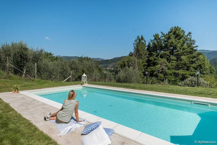 Alla Bella Aurora  with AMAZING POOL in Tuscany