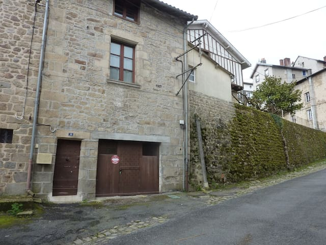 Studio St Jacques,heart of Eymoutiers