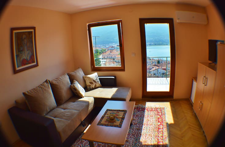 Orange lake view apt. with two rooms - Villa Ohrid