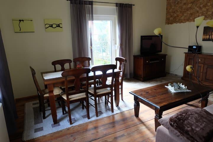 Freistehendes Ferienhaus mit Garten und Innenhof