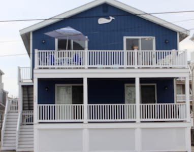 Family beach house, walk to beach, bay, shops, fun - Avalon