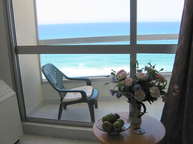 Amazing panoramic sea view - Bat Yam - Apartment