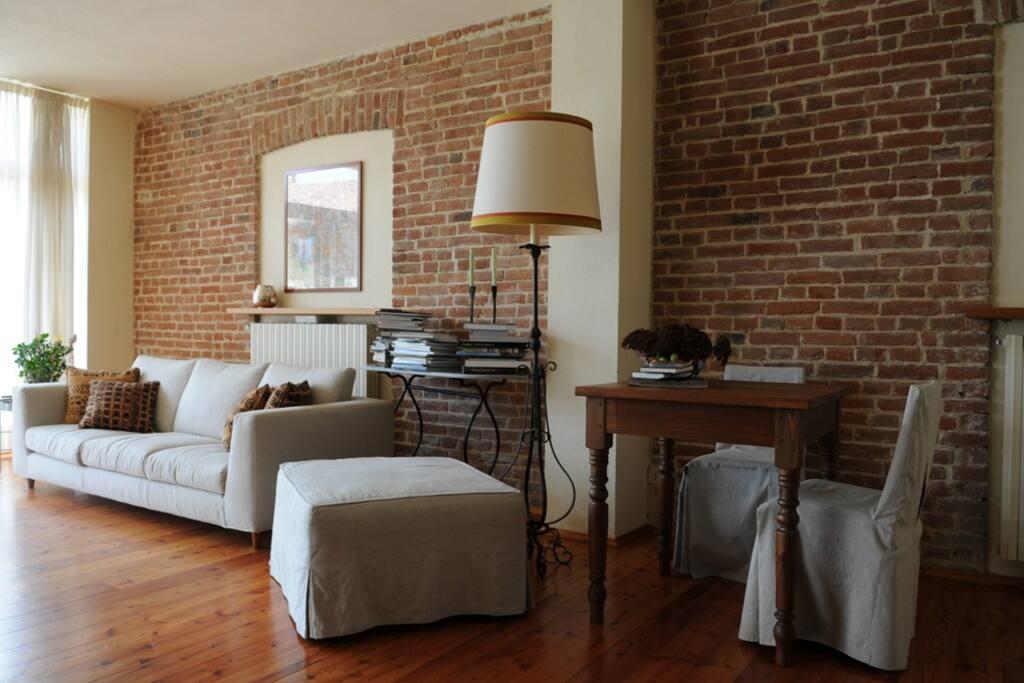 Il soggiorno - The Living Room - Der Aufenthaltsraum