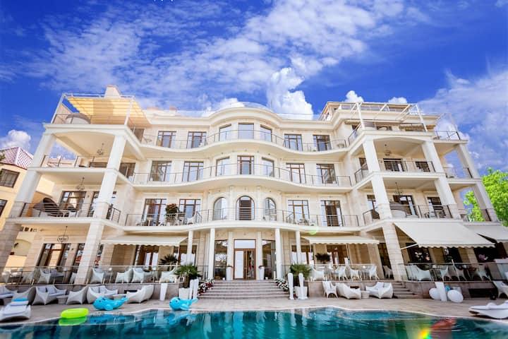 Panorama De Luxe Hotel